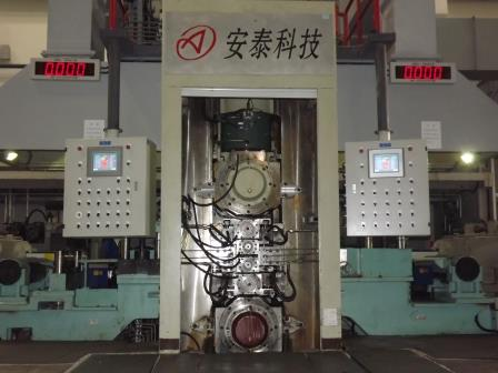 550六辊可逆冷轧机.JPG