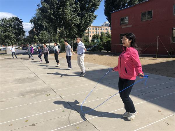 顽强拼搏显身手 绳绳舞动展英姿——mg4355娱乐城科技管理部门分工会组织跳绳比赛